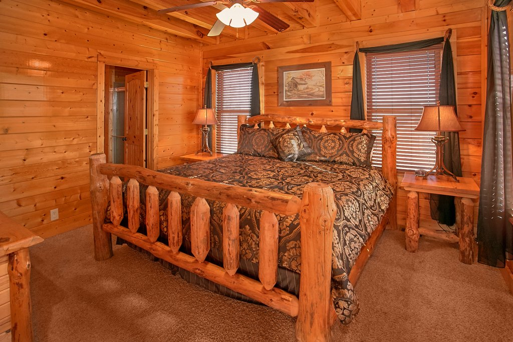 Photo of a Sevierville Cabin named Vista Lodge - This is the eighteenth photo in the set.