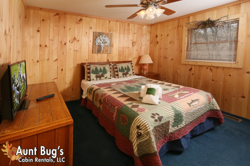 Photo of a Pigeon Forge Cabin named A Sweet Retreat #239 - This is the sixteenth photo in the set.