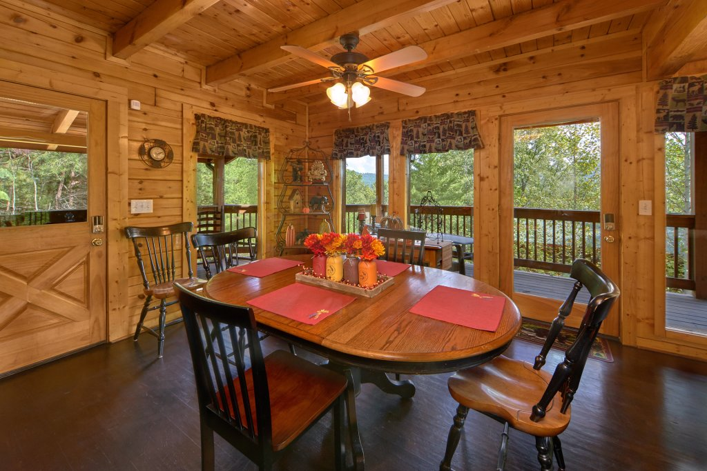 Photo of a Sevierville Cabin named Heavenly Hideaway #256 - This is the eleventh photo in the set.