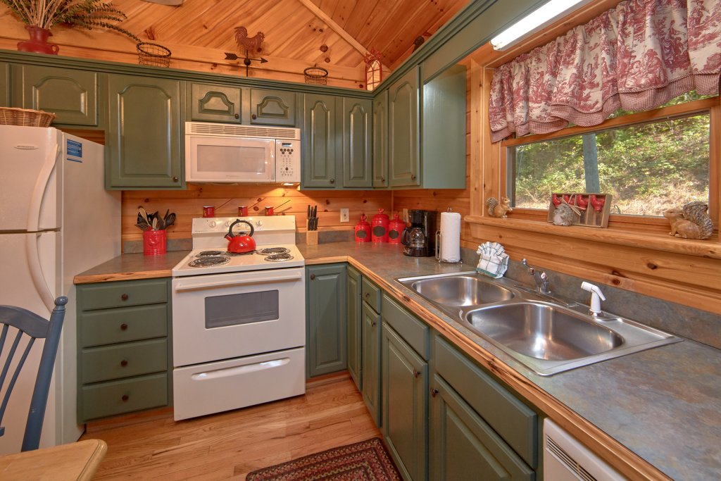 Photo of a Pigeon Forge Cabin named Rooster Ridge Cabin #231 - This is the twenty-eighth photo in the set.