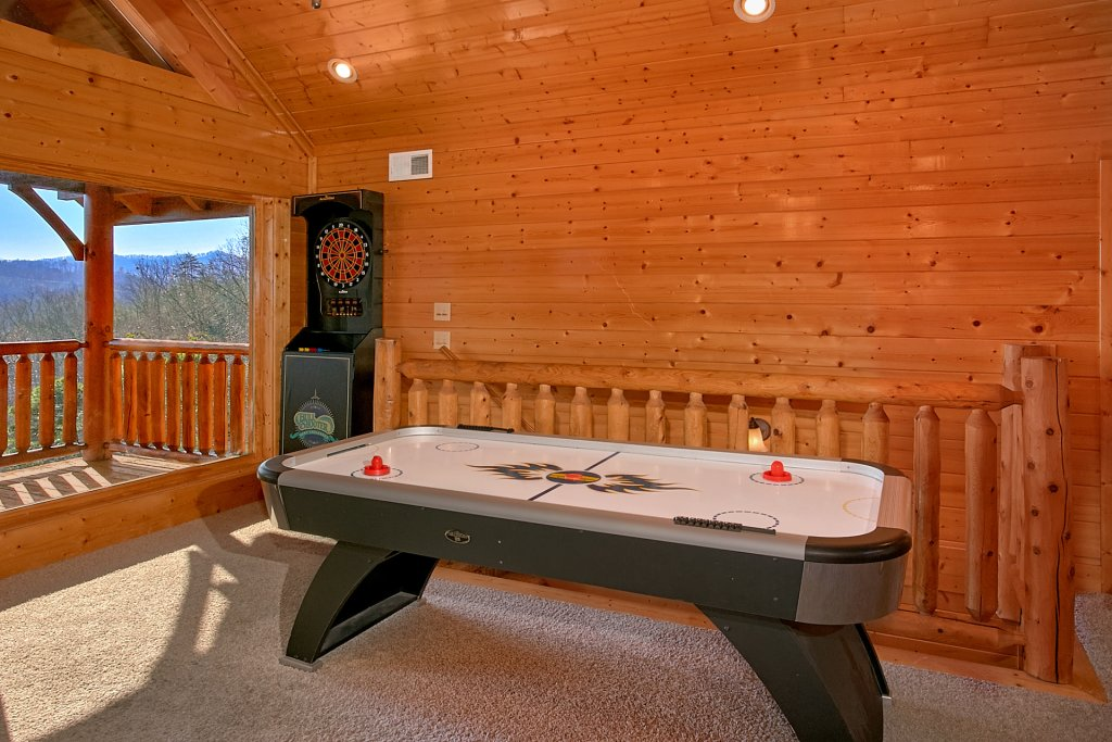Photo of a Sevierville Cabin named Vista Lodge - This is the ninth photo in the set.
