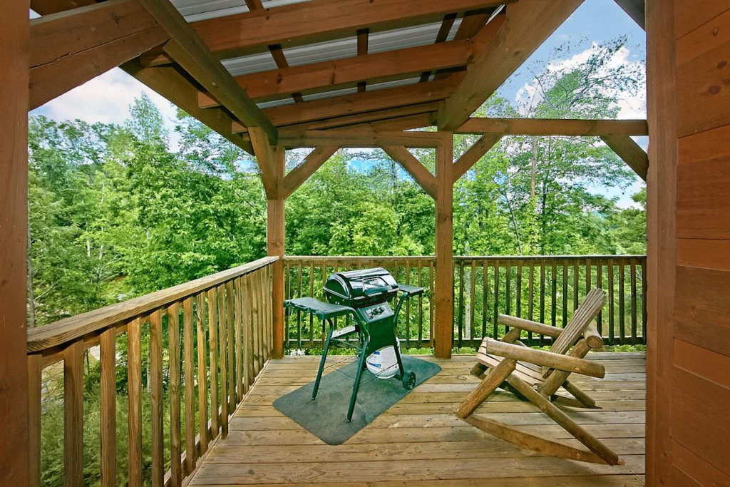 Photo of a Pigeon Forge Cabin named A Bear's Eye View #251 - This is the twenty-eighth photo in the set.