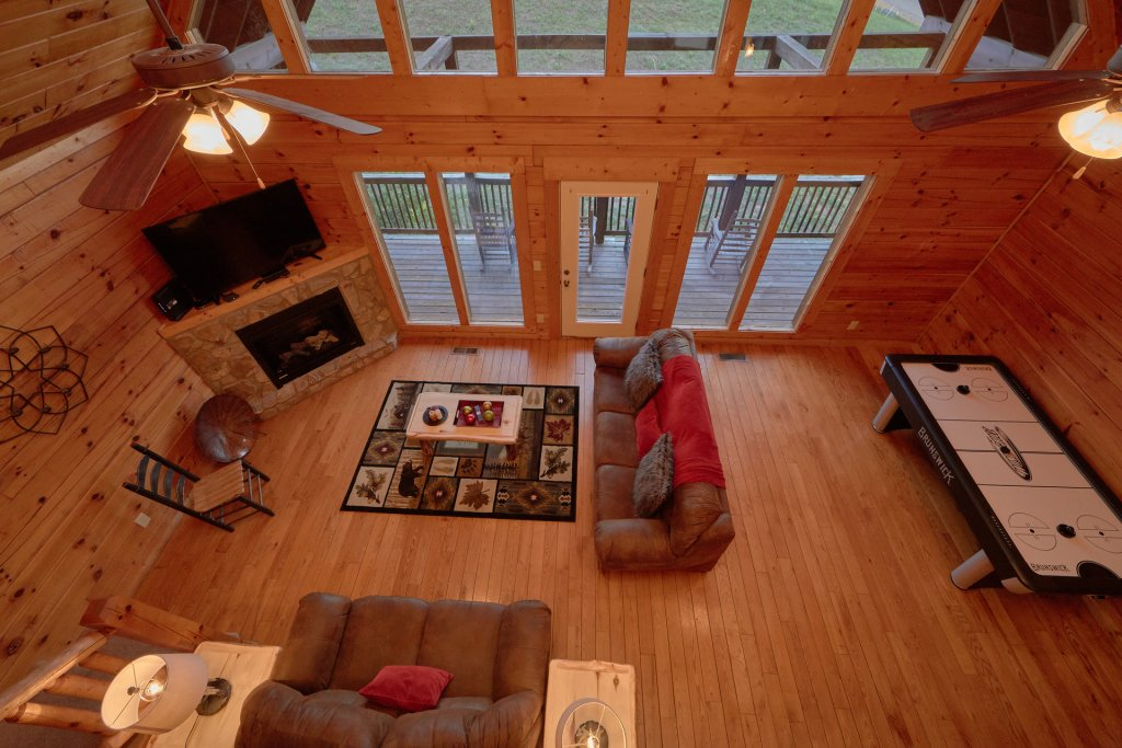 Photo of a Pigeon Forge Cabin named Mountain Pool Lodge - This is the eighth photo in the set.