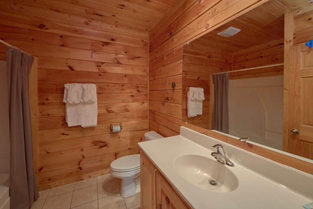 Photo of a Pigeon Forge Cabin named Mountain Pool Lodge - This is the thirteenth photo in the set.