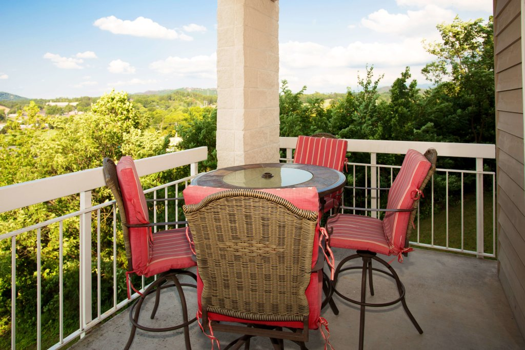 Photo of a Pigeon Forge Condo named Whispering Pines 211 - This is the twenty-second photo in the set.