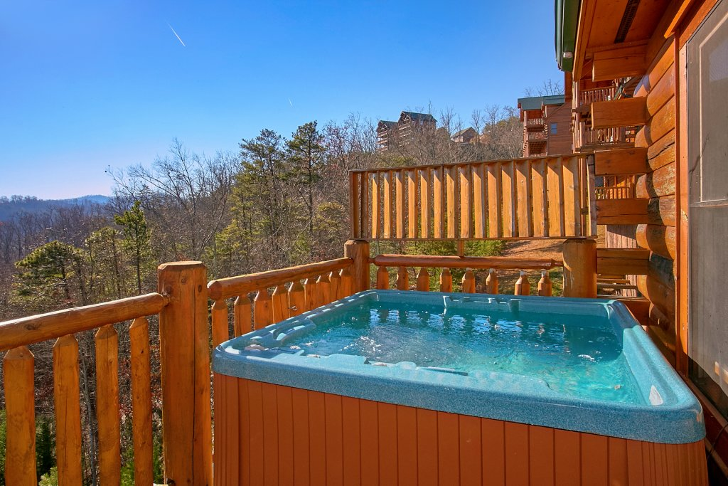 Photo of a Pigeon Forge Cabin named Vista Lodge - This is the fourth photo in the set.