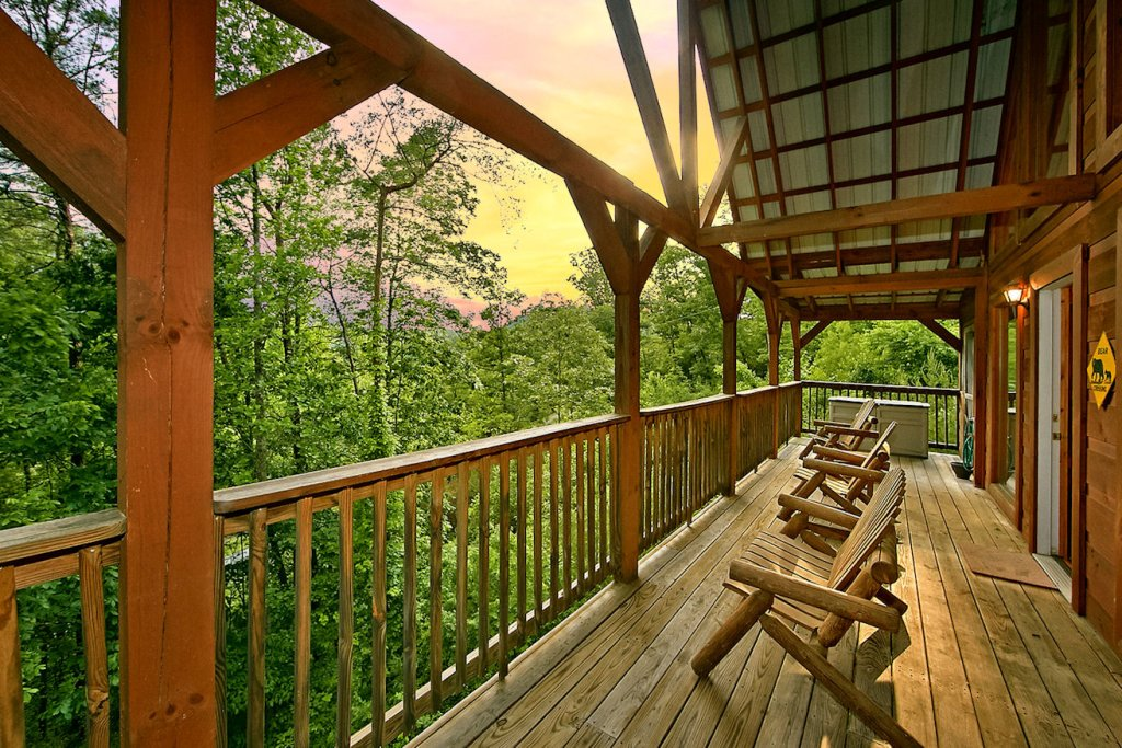 Photo of a Pigeon Forge Cabin named A Bear's Eye View #251 - This is the twenty-ninth photo in the set.