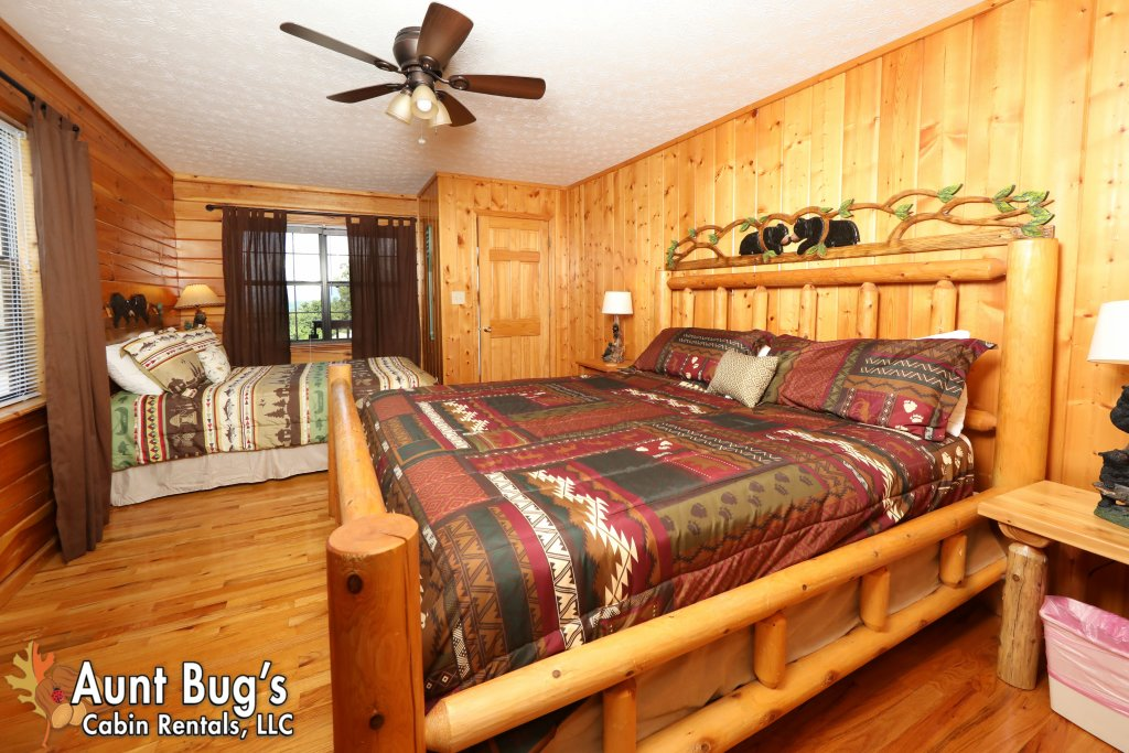 Photo of a Pigeon Forge Cabin named Sun-sational View #245 - This is the fourteenth photo in the set.