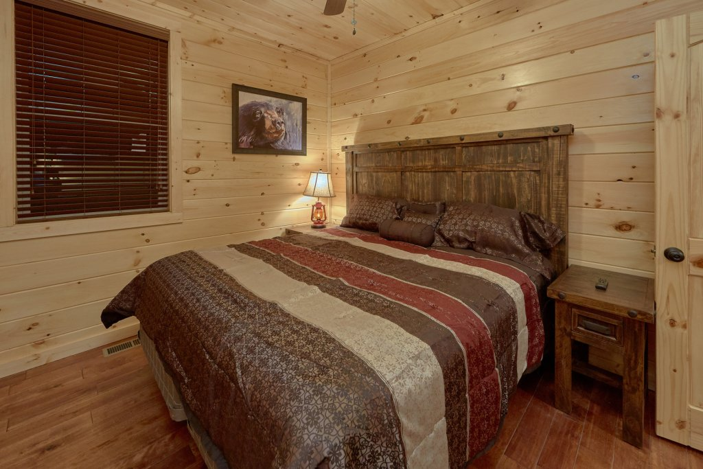Photo of a Pigeon Forge Cabin named Panoramic Views - This is the eighteenth photo in the set.