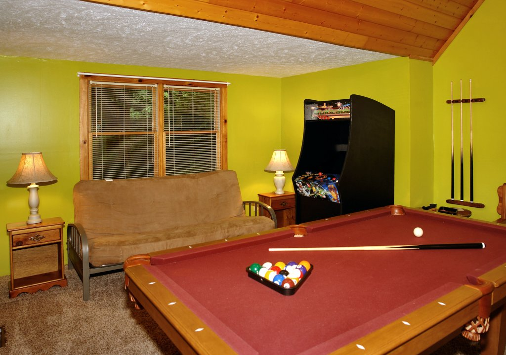 Photo of a Gatlinburg Cabin named Parkside Party #1676 - This is the eighth photo in the set.
