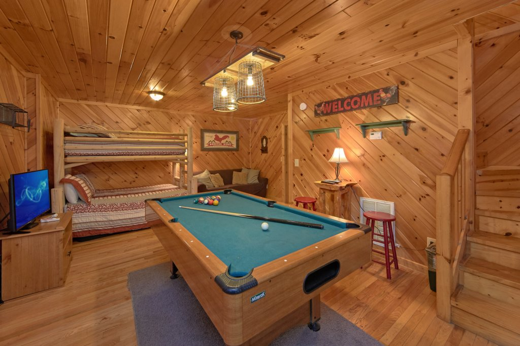 Photo of a Pigeon Forge Cabin named Rooster Ridge Cabin #231 - This is the second photo in the set.