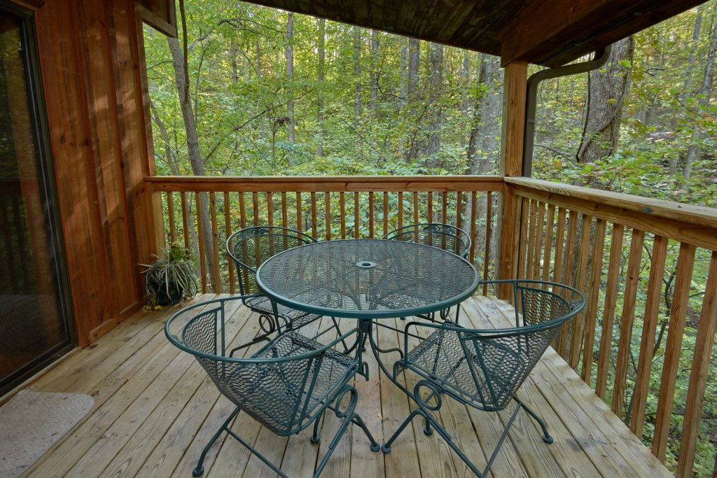 Photo of a Pigeon Forge Cabin named Rooster Ridge Cabin #231 - This is the thirty-fifth photo in the set.
