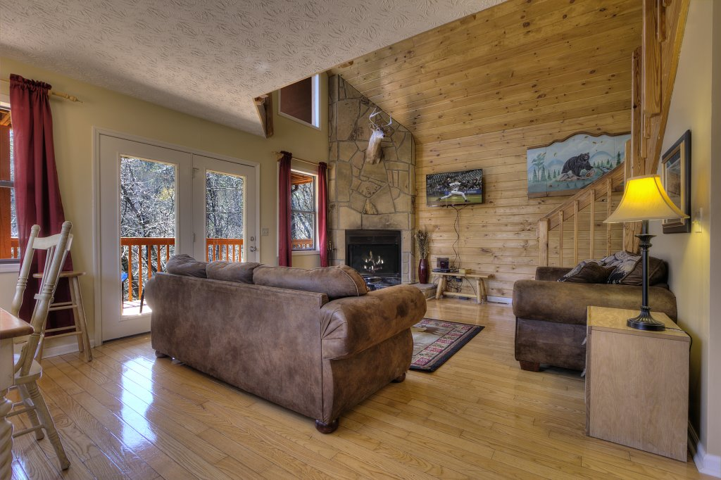 Photo of a Gatlinburg Cabin named Bear Run Getaway #1136 - This is the twelfth photo in the set.