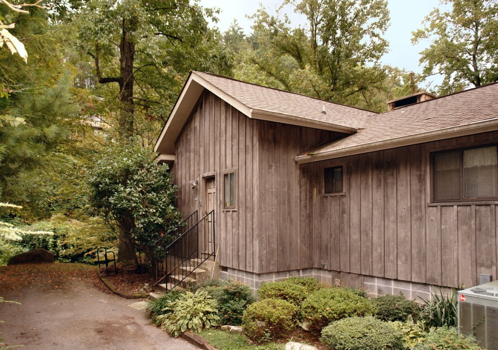 Photo of a Gatlinburg Cabin named River Dream #466 - This is the first photo in the set.