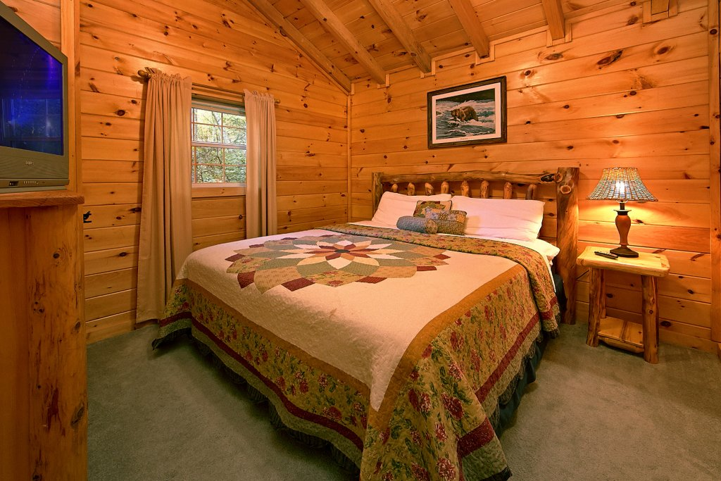 Photo of a Sevierville Cabin named Whispering Waters #208 - This is the sixth photo in the set.