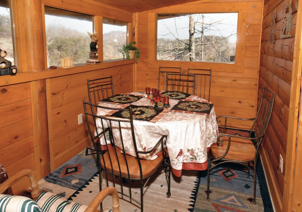 Photo of a Pigeon Forge Cabin named Almost Bearadise #289 - This is the tenth photo in the set.