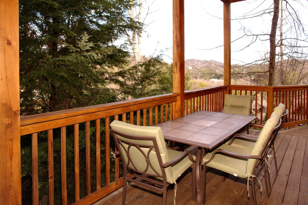 Photo of a Pigeon Forge Cabin named Almost Bearadise #289 - This is the twentieth photo in the set.