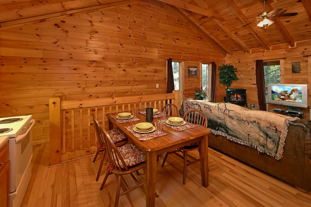 Photo of a Sevierville Cabin named Whispering Waters #208 - This is the eighth photo in the set.