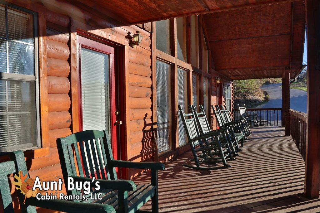 Photo of a Pigeon Forge Cabin named Sun-sational View #245 - This is the thirty-fifth photo in the set.
