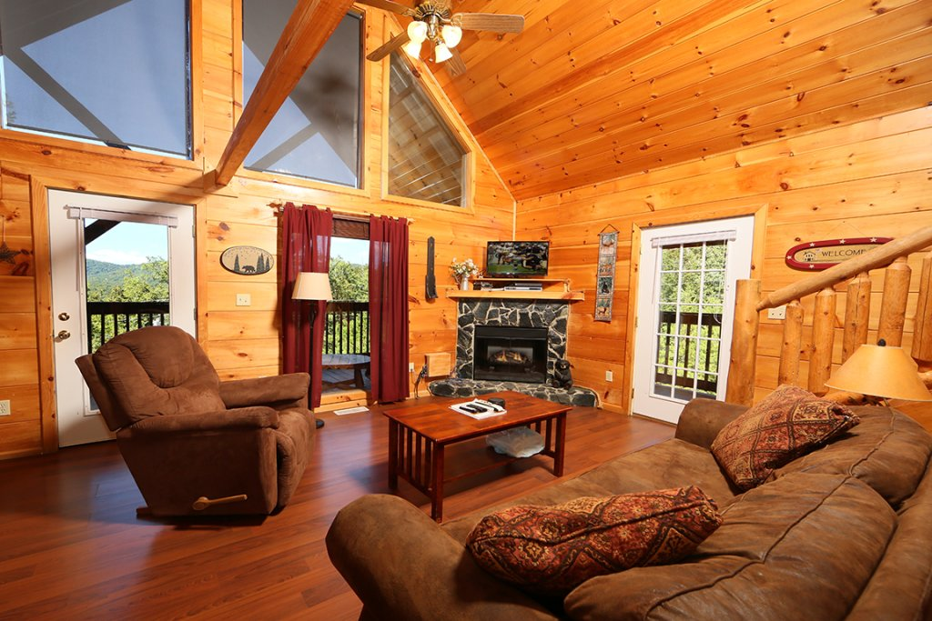 Photo of a Pigeon Forge Cabin named Dare To Bear #238 - This is the twelfth photo in the set.