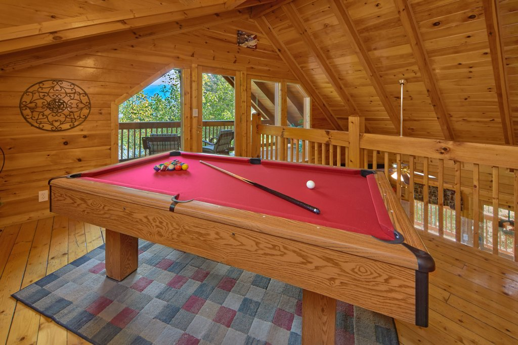 Photo of a Sevierville Cabin named Heavenly Hideaway #256 - This is the third photo in the set.