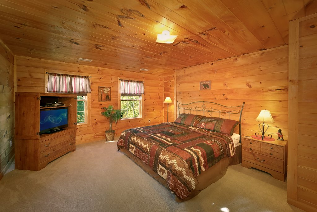 Photo of a Pigeon Forge Cabin named Private Paradise #2810 - This is the seventeenth photo in the set.