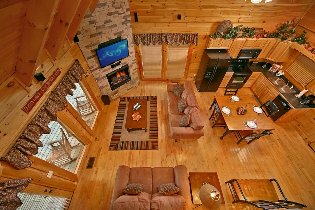 Photo of a Pigeon Forge Cabin named Bear Hug #275 - This is the twenty-second photo in the set.