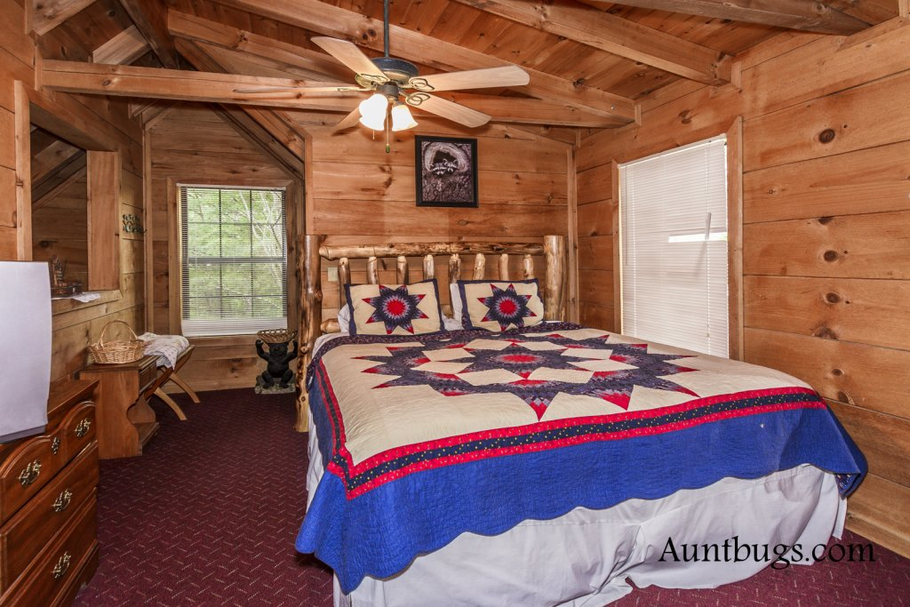 Photo of a Gatlinburg Cabin named Mountain Perch #2134 - This is the seventeenth photo in the set.