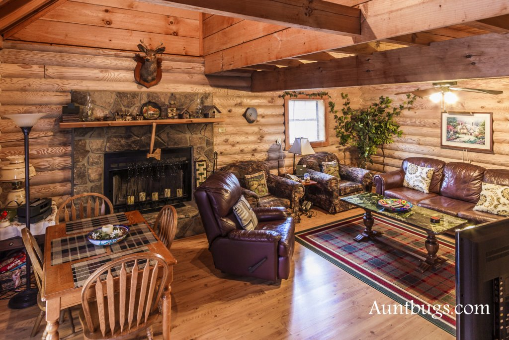 Photo of a Gatlinburg Cabin named Mountain Perch #2134 - This is the seventh photo in the set.