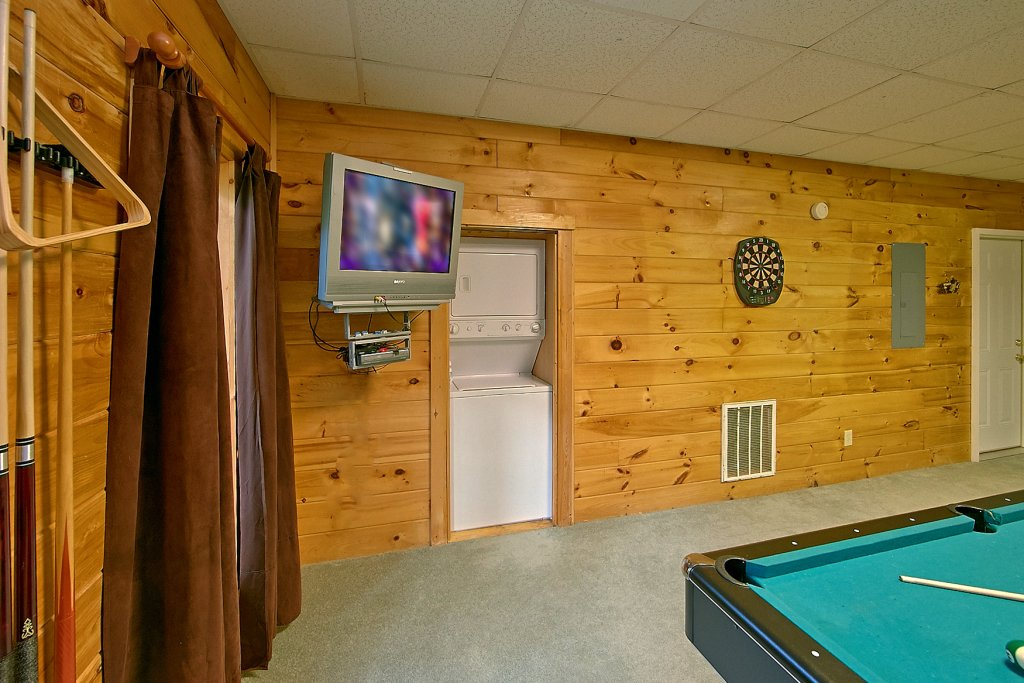 Photo of a Sevierville Cabin named Whispering Waters #208 - This is the fourteenth photo in the set.