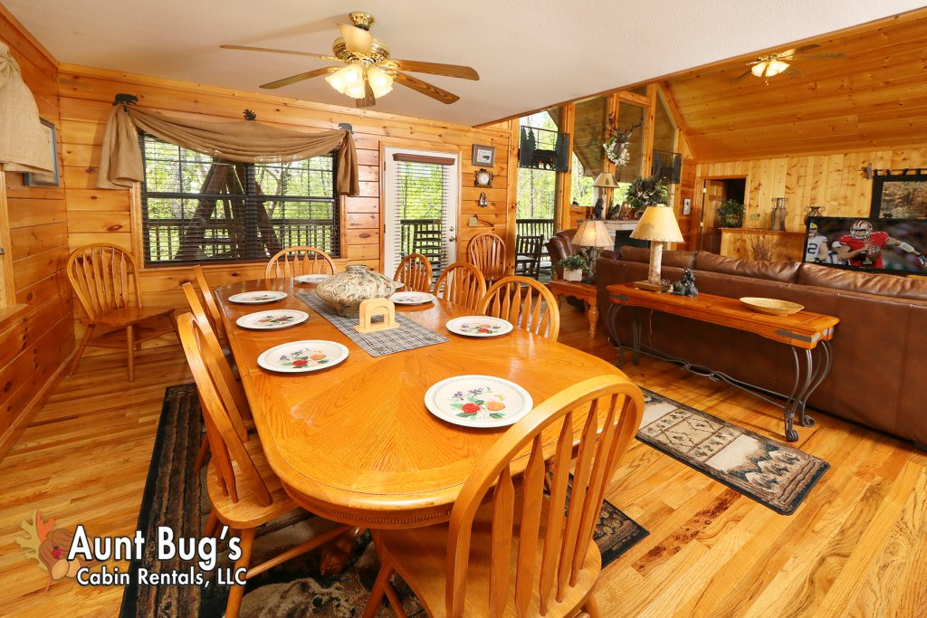 Photo of a Pigeon Forge Cabin named Smoky Mountain Getaway #435 - This is the twenty-fourth photo in the set.
