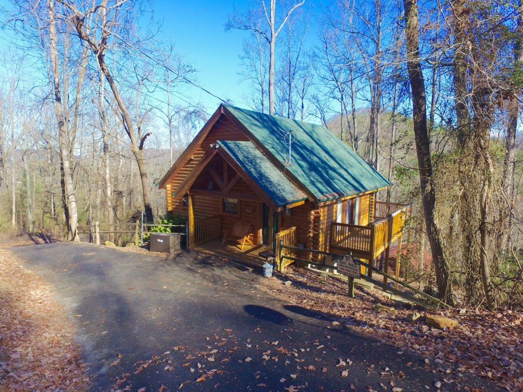 Photo of a Pigeon Forge Cabin named Tranquility Den - 210 - This is the thirty-fourth photo in the set.