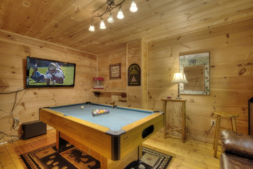 Photo of a Gatlinburg Cabin named A Secluded Bearadise #247 - This is the fourth photo in the set.