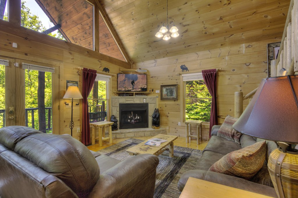 Photo of a Gatlinburg Cabin named A Secluded Bearadise #247 - This is the twenty-third photo in the set.