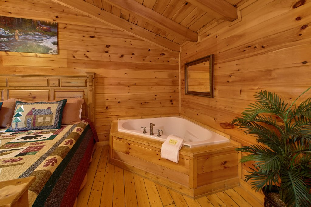 Photo of a Sevierville Cabin named Heavenly Hideaway #256 - This is the fourteenth photo in the set.