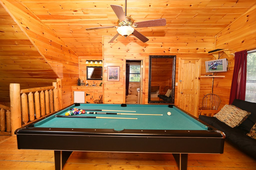 Photo of a Pigeon Forge Cabin named Dare To Bear #238 - This is the twentieth photo in the set.