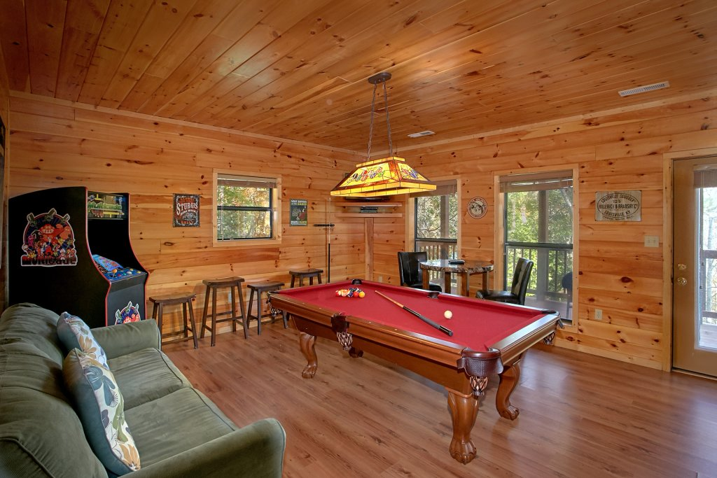 Photo of a Gatlinburg Cabin named Bear Splash #409 - This is the twentieth photo in the set.
