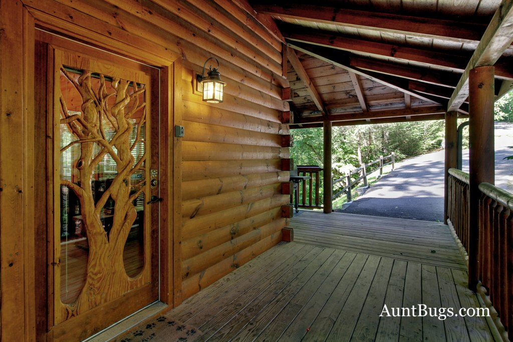 Photo of a Gatlinburg Cabin named Shamrock Lodge #215 - This is the ninth photo in the set.