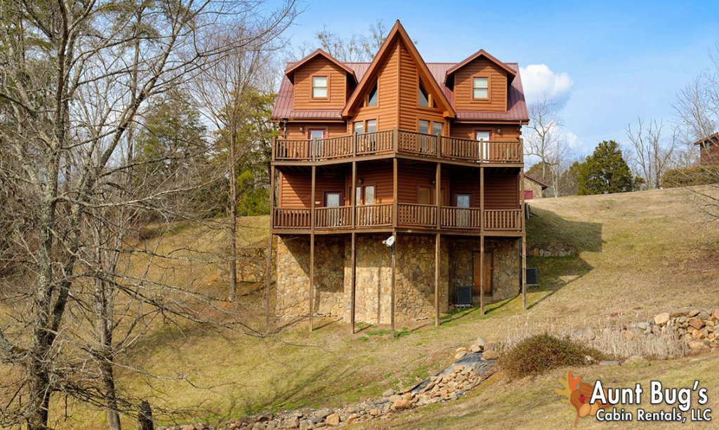 Photo of a Pigeon Forge Cabin named Papa Bear Lodge #565 - This is the eighth photo in the set.