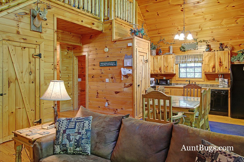 Photo of a Gatlinburg Cabin named Shamrock Lodge #215 - This is the tenth photo in the set.