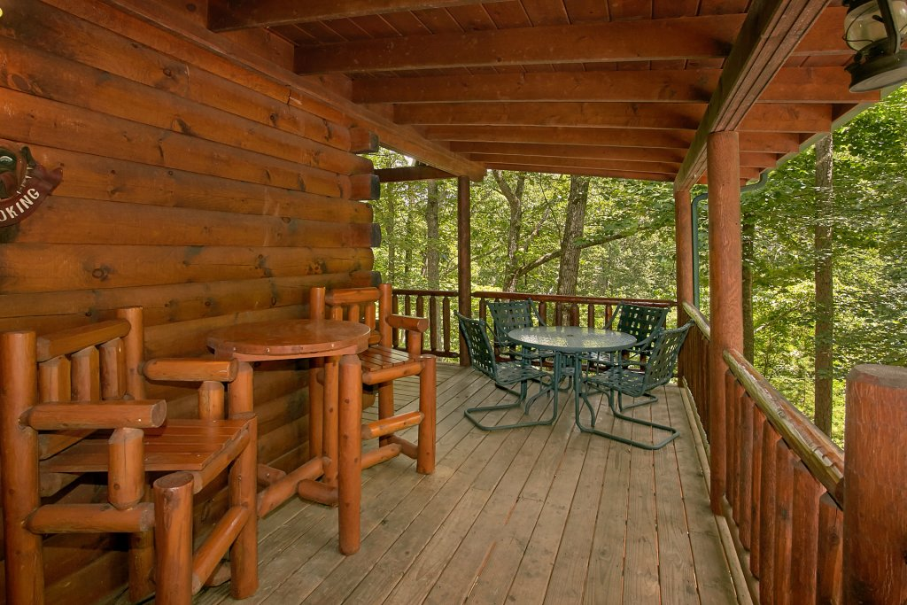 Photo of a Gatlinburg Cabin named Browns Bear Den #235 - This is the twenty-third photo in the set.
