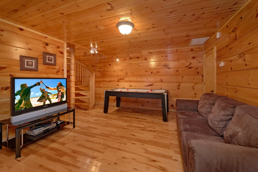 Photo of a Gatlinburg Cabin named Smoky Mountain Serenity - This is the seventh photo in the set.