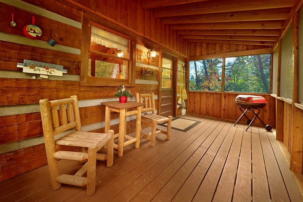 Photo of a Sevierville Cabin named At Wild Turkey #122 - This is the twentieth photo in the set.