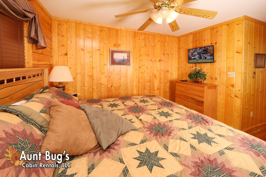 Photo of a Pigeon Forge Cabin named Smoky Mountain Getaway #435 - This is the twenty-fifth photo in the set.