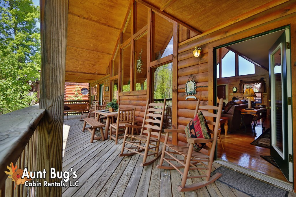 Photo of a Pigeon Forge Cabin named Smoky Mountain Getaway #435 - This is the sixth photo in the set.