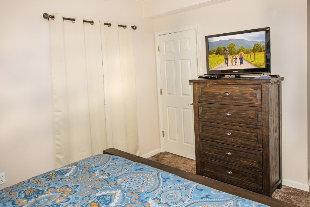 Photo of a Pigeon Forge Condo named Whispering Pines 413hc - This is the twenty-first photo in the set.