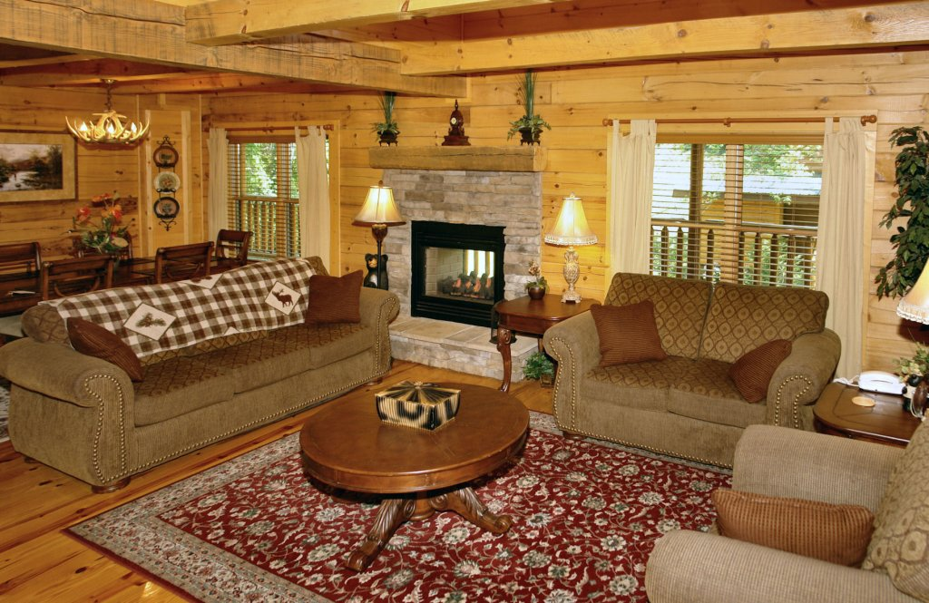 Photo of a Pigeon Forge Cabin named Trout House #350 - This is the thirty-fourth photo in the set.