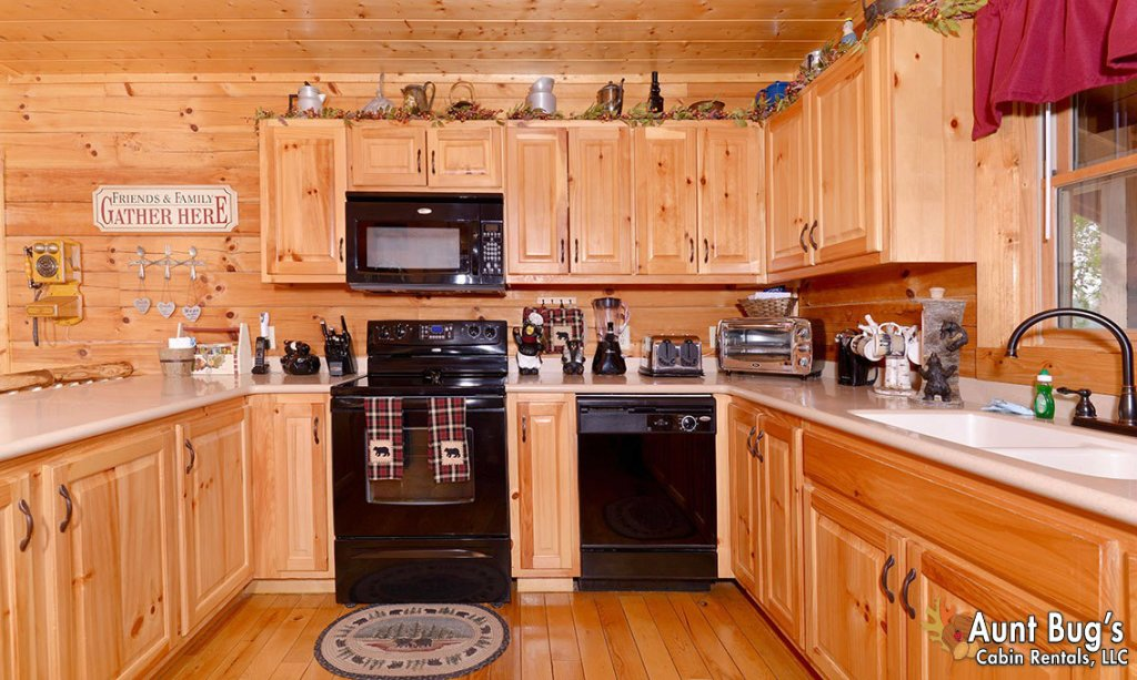 Photo of a Pigeon Forge Cabin named Papa Bear Lodge #565 - This is the thirteenth photo in the set.