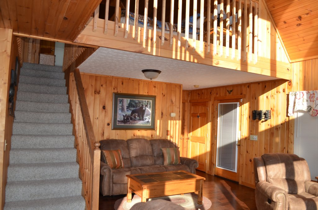 Photo of a Pigeon Forge Cabin named A Grand View From Above #225 - This is the thirty-fifth photo in the set.