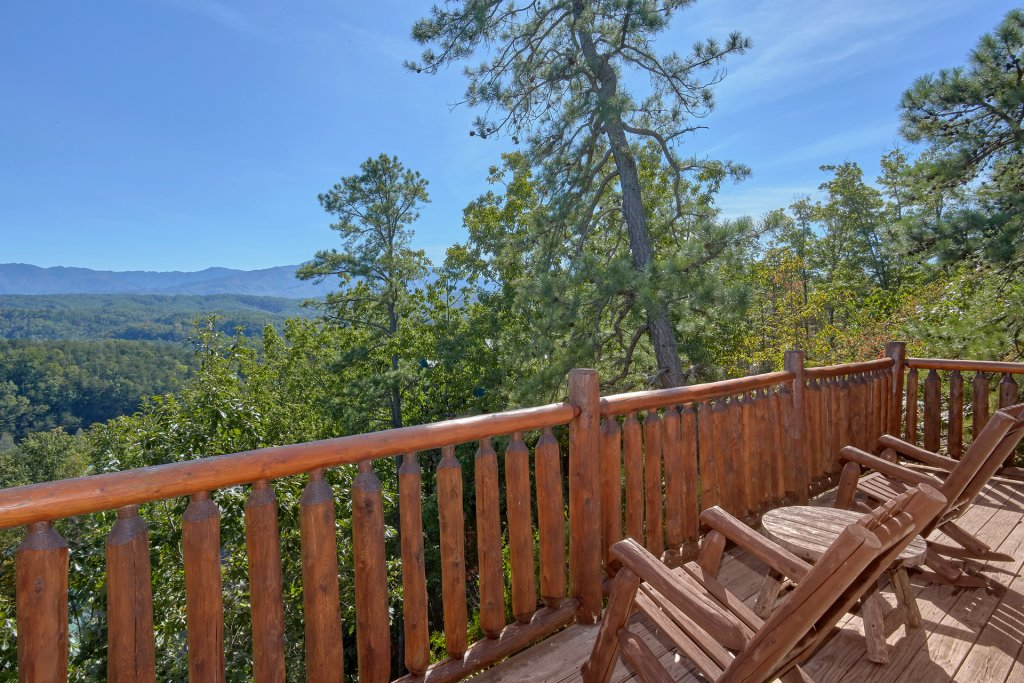 Photo of a Pigeon Forge Cabin named King's View - This is the twelfth photo in the set.